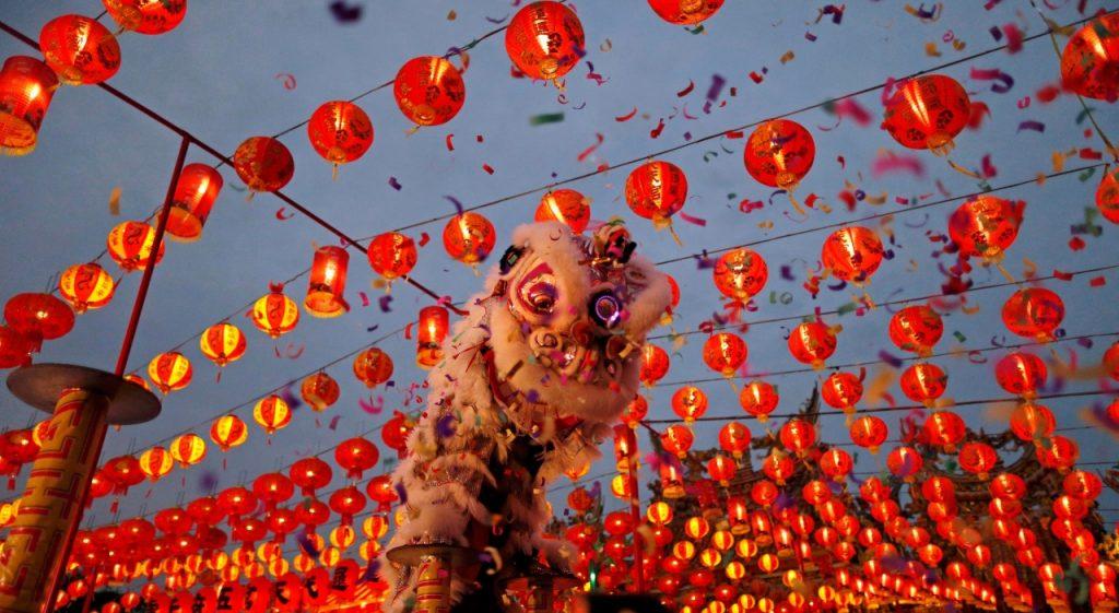 สิงโตทองสัญลักษณ์วันตรุษจีน