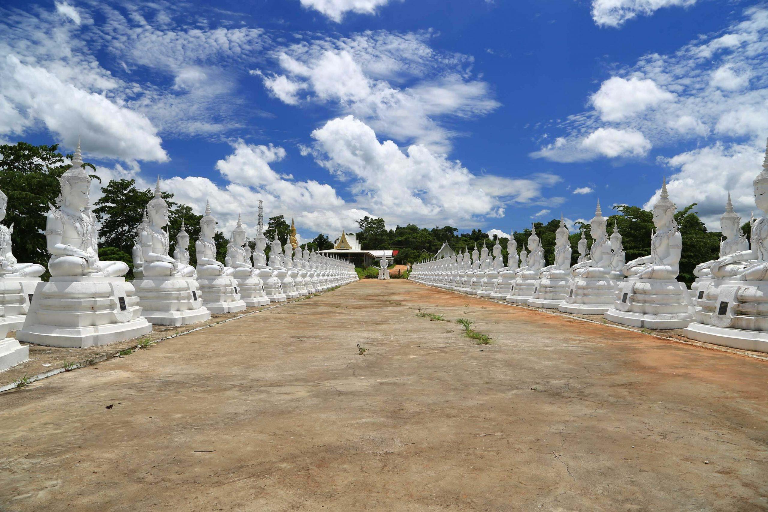 พระพุทธบาทน้ำทิพย์จำนวน 118 องค์