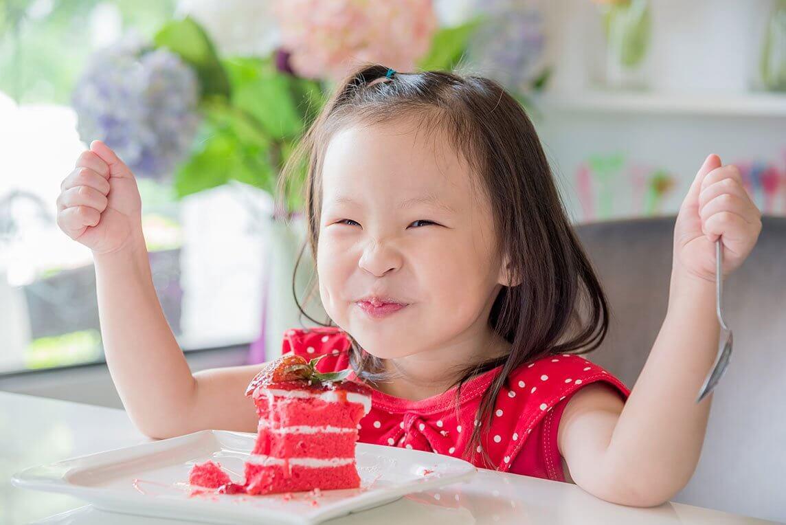 เด็กกินเค้ก