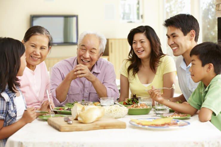 กินข้าวเช้ากับครอบครัว