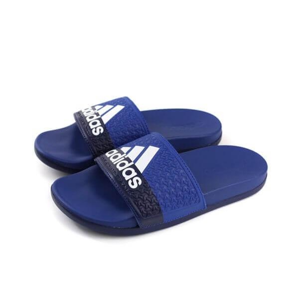 รองเท้าแตะสีน้ำเงิน