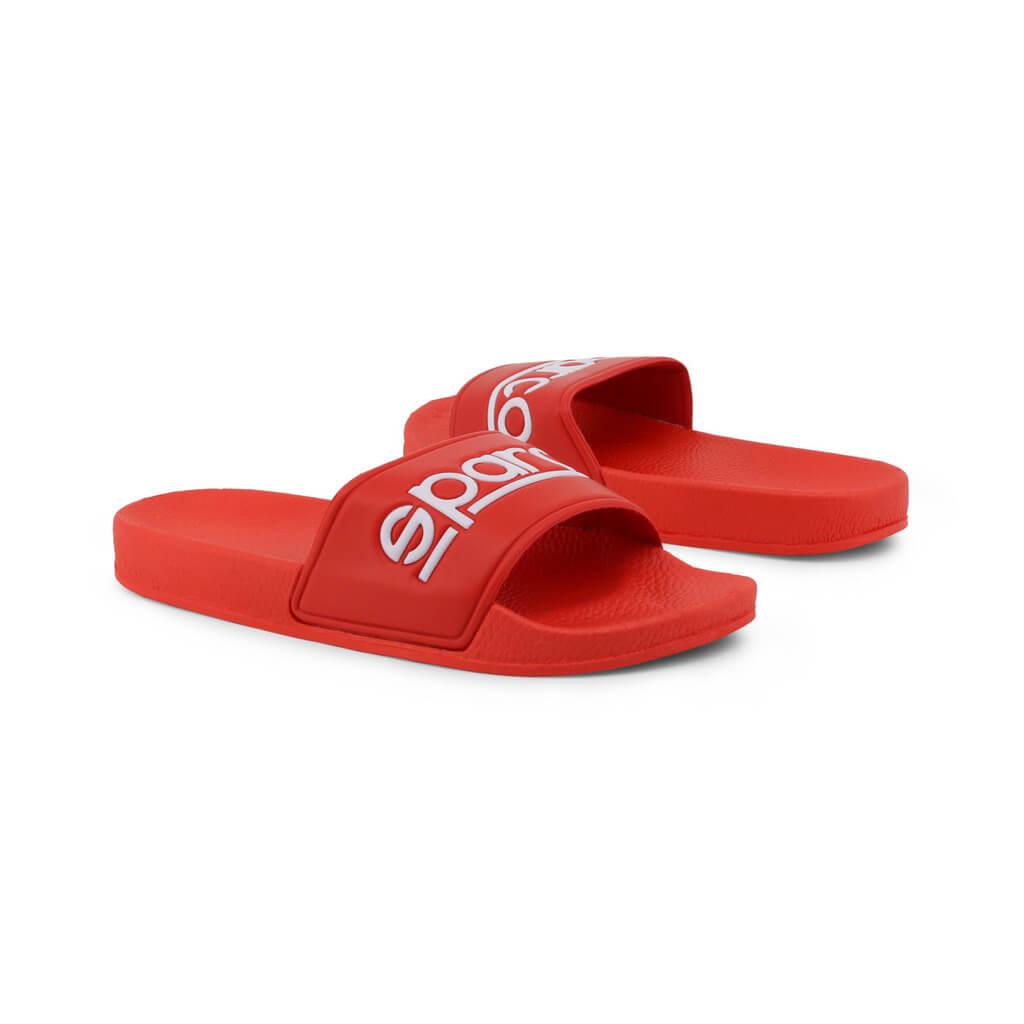 รองเท้าแตะสีแดง